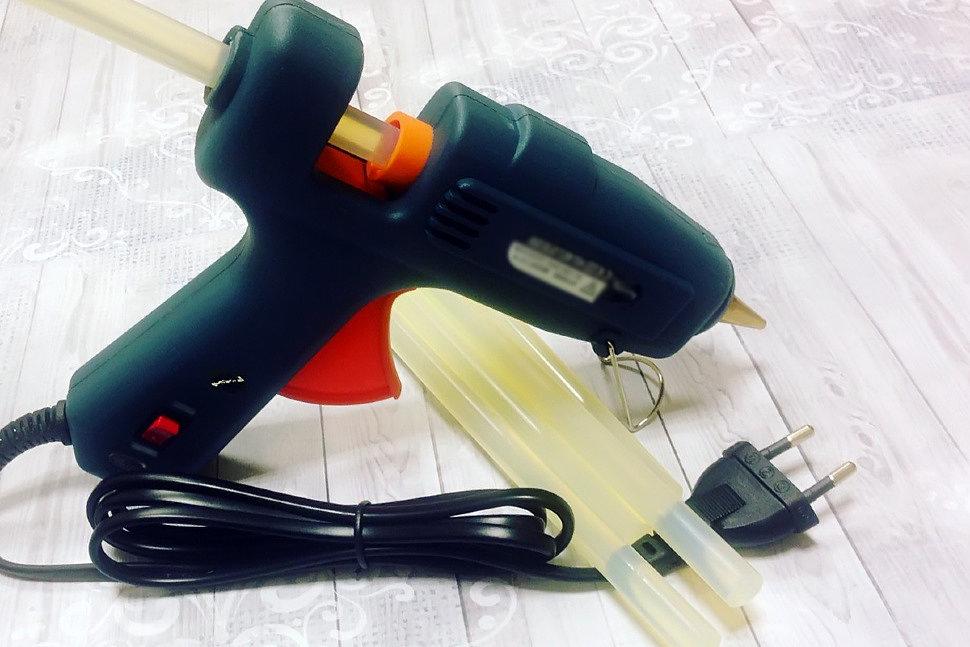Как правильно и безопасно работать с клеевым пистолетом