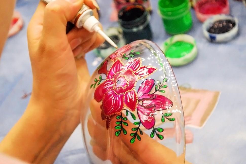 Рисуем акриловыми красками на стекле-2