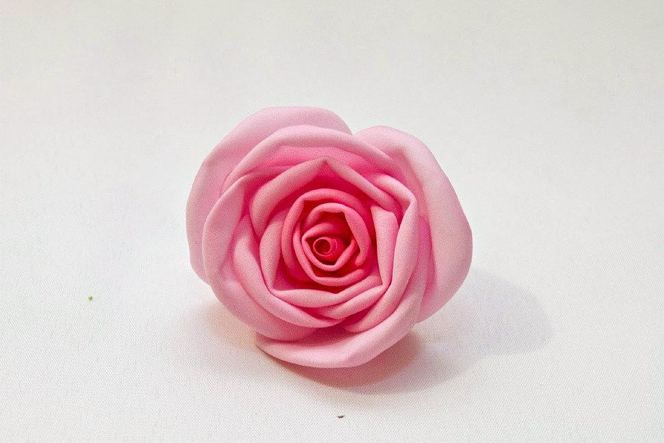 Как сделать розу из фоамирана-5